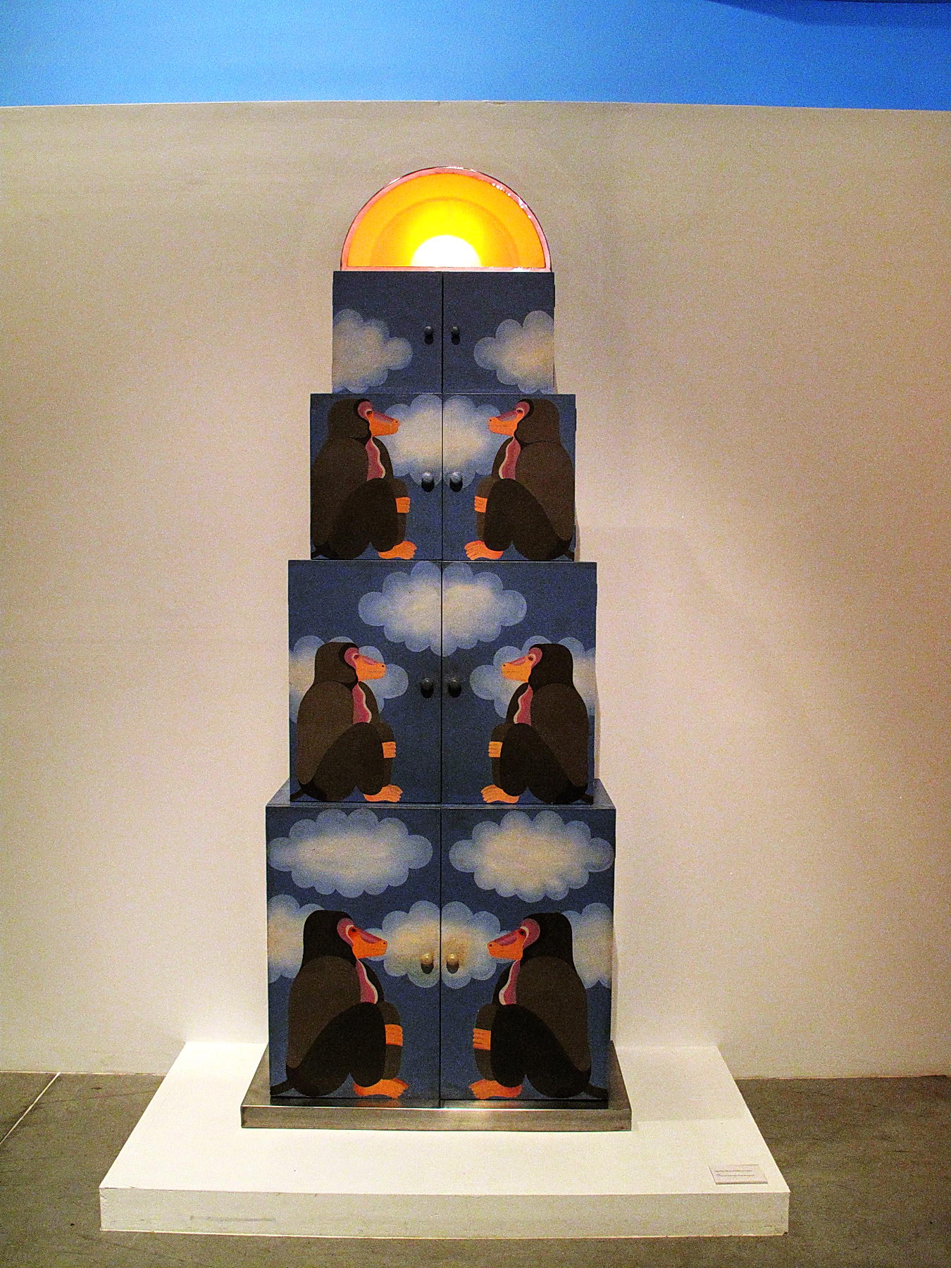 13-Edgardo Gimenez-Mueble de mandriles y nubes | RƎV
