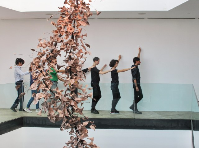 04-Ernesto Ballesteros-Dibujo levemente coreografiado