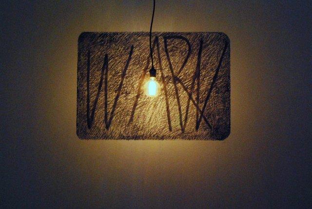 Guerra_Instalación Carbonilla sobre pared_David Lamelas_04