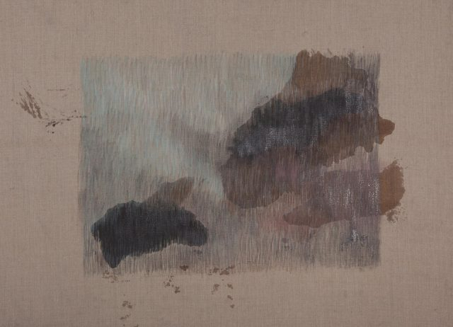 elena-loson-raya-y-mancha-sobre-tela-serie-fondo-fondo-2016-lapices-de-colores-goma-laca-y-grafito-en-polvo-sobre-lino-130-x-150-cm-04