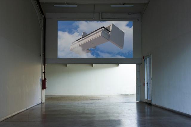 ariela-bergman-estas-en-el-lugar-perfecto-video-01